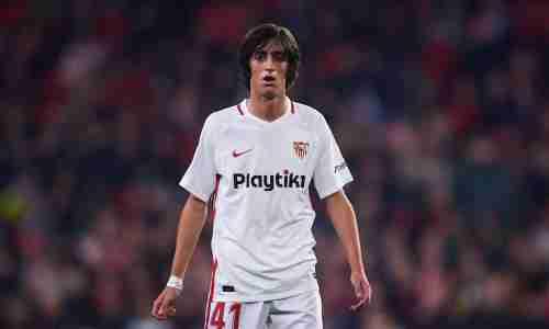Брайан Хиль — испанский футболист, вингер клуба «Севилья»