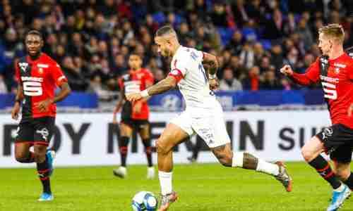 Мемфис Депай нидерландский футболист, нападающий испанского клуба «Барселона» и национальной сборной Нидерландов.