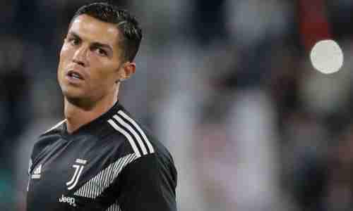 Криштиану Роналду - Португальский футболист, выступающий за итальянский клуб «Ювентус»