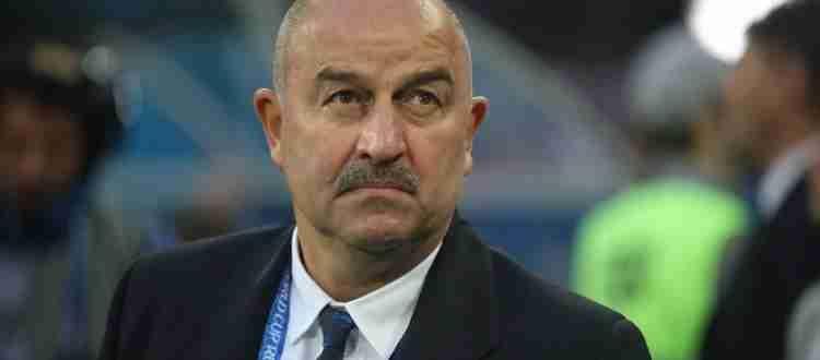 Станислав Черчесов - Советский и российский футболист, вратарь и футбольный тренер.