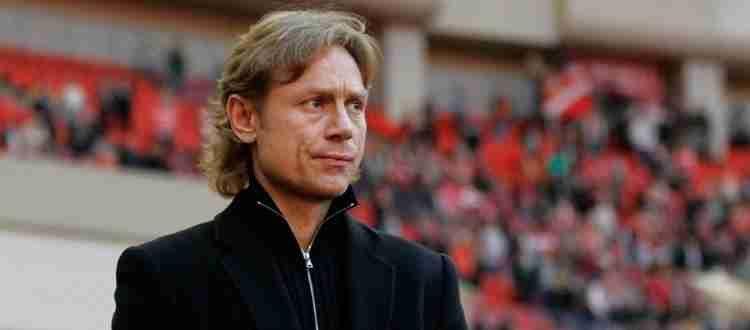 Валерий Карпин - Главный тренер сборной России.